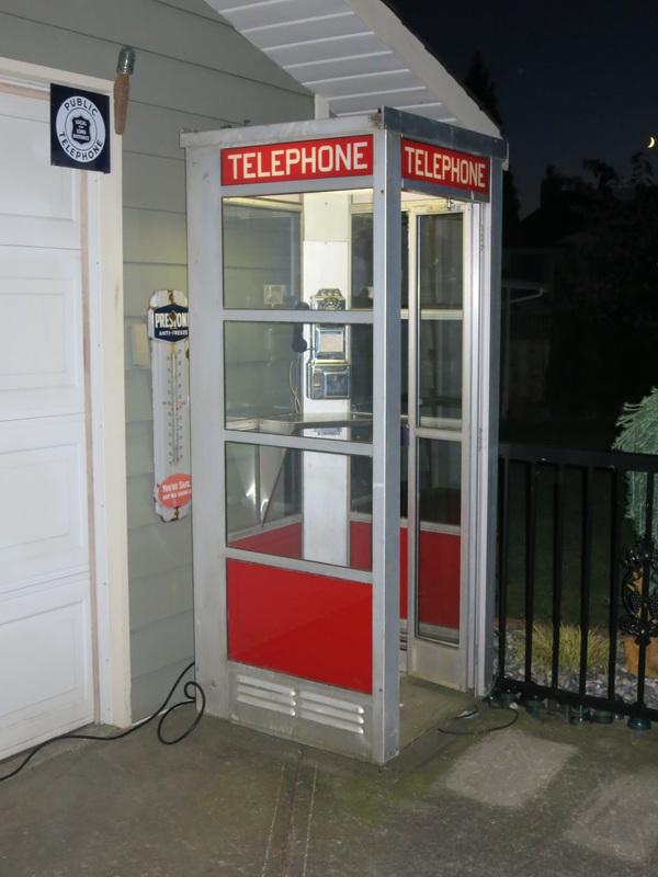American Phone Booth-Grant's Telephone Classics